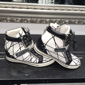THE WISHBONE COLLECTION LEATHER wedges.sz 7.5